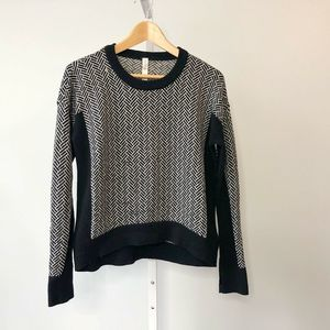 Lululemon Herringbone Chevron Yogi Sweater